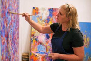 Andrea Bischof in ihrem Atelier